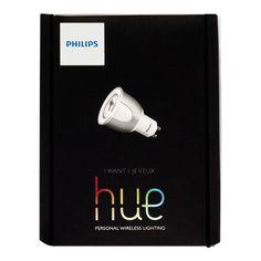 EXCLUSIVO EN LÍNEA. Hue es un sistema de iluminación inalámbrico controlable desde dispositivos móviles como Smartphone y Tablet. Puedes conectar hasta 50 productos Hue en un mismo bridge. Se necesita una conexión remota  a internet y bajar la aplicación de Hue Philips al dispositivo móvil. Cada foco LED es inalámbrico. Ofrecen gran luminosidad en todos los tonos de blanco y todos los colores del espectro.