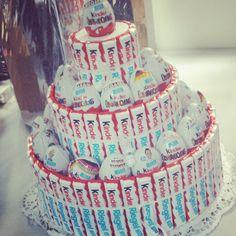 Ü-Ei und Kinderriegel-Torte