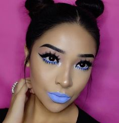 Blues & buns are the way to our heart! 💙 'Boot' and 'Filter' from Venus 2 & 'Teacup' Velvetine via 💧 More details: - The Balm Meet Matte Trimony - Colourpop Cosmetics Prancer Liner - NYX. Makeup List, Makeup Goals, Makeup Inspo, Makeup Inspiration, Beauty Makeup, Hair Makeup, Hair Beauty, Cute Makeup, Gorgeous Makeup