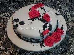 Heart shaped birthday cake with name pastalar