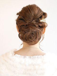 出会いは2次会・パーティーにアリ!恋を呼ぶ ヒロインアレンジヘア特集|結婚式の髪型・ヘアスタイル探すなら、Beauty-Navi Wedding[ビューティーナビ ウェディング]
