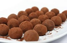 Whiskytryffel – recept Homemade Sweets, Cookie Desserts, Christmas Home, Fudge, Dog Food Recipes, Snacks, Favorite Recipes, Candy, Cookies