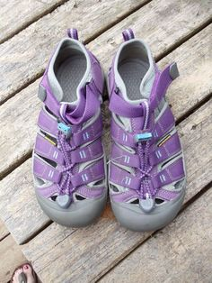 KEEN NEWPORT H2 Purple and Teal VELCRO SPORT WATER SANDAL YOUTH KIDS SIZE 4 #KEEN #Sandals