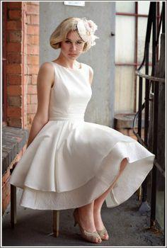 5 Tendências em Vestidos de Noiva 2014 - 1º Vestido Curto | 5 Trends In Wedding…