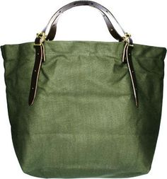 perfect sturdy Duluth canvas bag. handmade with a lifetime warranty makes it even better...