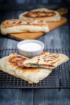 Zobacz, jakie 18 pomysłów jest teraz na czasie na . Good Food, Yummy Food, Turkish Recipes, Food Design, Food Photo, Food Inspiration, Appetizer Recipes, Food To Make, Food And Drink