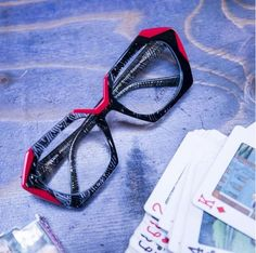 0a1dce409733 Traction Productions - Modelo Bergamo na cor Resillerouge  innovaoptical   tractionproductions  traction  eyewear