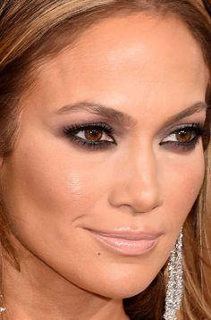 Close-up of Jennifer Lopez at the 2015 Golden Globe Awards. http://beautyeditor.ca/2015/01/12/golden-globes-2015