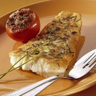 Gebakken kabeljauw bedekt met knoflook en bieslook Fish Dishes, Healthy Recipes, Healthy Food, Dinner Recipes, Lunch, Snacks, Chicken, Drinks, Fit