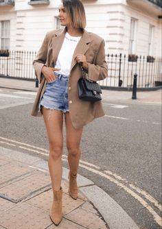 Denim Shorts Outfit, Blazer And Shorts, Denim Skirt, Short Outfits, Fall Outfits, Female Celebrity Crush, Fall Booties, Ankle Booties, Minimal Outfit