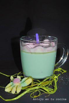 Brebaje de la bruja (bebida de chocolate blanco caliente) - halloween hot chocolate
