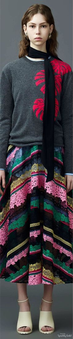 Pinning for the skirt colors. Valentino Garavani, Valentino 2017, Valentino Resort, Fashion 2017, Retro Fashion, Womens Fashion, Modest Fashion, Fashion Dresses, Italian Fashion Designers