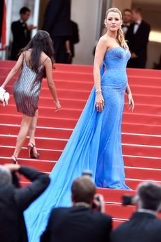 Cannes 2016 Blake Lively blue Atelier Versace