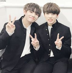 "✨TaeKook✨ ""My family is Jungkook"" -Taehyung, 2014 ""Is a cute word"" -… # De Todo # amreading # books # wattpad Taekook, K Pop, Cute Words, Hip Hop, Wattpad, Future Wife, V Taehyung, Bts Group, Yoonmin"