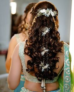 15 Indian Bridal Hairstyles With Flowers - Candy Crow # indian Hairstyles Bridal Hairstyle Indian Wedding, Bridal Hair Buns, Bridal Hairdo, Hairdo Wedding, Wedding Hairstyles For Long Hair, Braids For Long Hair, Bridal Hairstyle For Reception, Open Hairstyles, Indian Hairstyles
