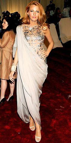 Blake Lively dresses so well. Very elegant.