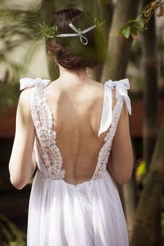 backless lace bohemian wedding dress