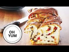 You already know how to make the best Cinnamon Sticky Buns, so now it's time to up the difficulty and try this European classic: Chelsea Loaf! Loaf Recipes, Baking Recipes, Cookie Recipes, Pan Bread, Yeast Bread, Chelsea Bun, Anna Olson, Sticky Buns, Breads