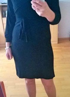 Kup mój przedmiot na #vintedpl http://www.vinted.pl/damska-odziez/krotkie-sukienki/16386235-czarna-sukienka-kopertowy-dekolt-36-38-40