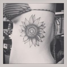 Thinking of doing a tattoo like this but on my shoulder beauty | tattoos picture sunflower tattoo