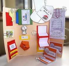 More interactive notebook designs to use on a trifo;d board. Lap Books, Diy And Crafts, Crafts For Kids, Paper Crafts, Lap Book Templates, Templates Free, Book Projects, Preschool, Teaching