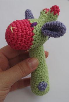 DIY Free crochet pattern of a Giraffe like Baby rattle