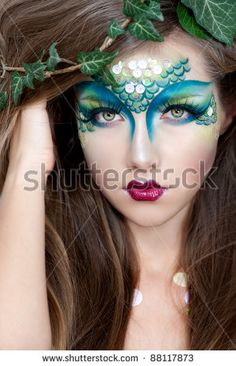 When you think about face painting designs, you probably think about simple kids face painting designs. Many people do not realize that face painting designs go Fairy Makeup, Mermaid Makeup, Mermaid Hair, Mermaid Face Paint, Peacock Makeup, Maquillaje Halloween, Halloween Face Makeup, Bob Hair, Looks Halloween