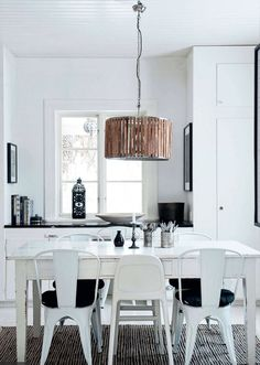 black & white dining room | elle decor.