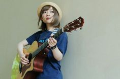 Manami from Goose house band