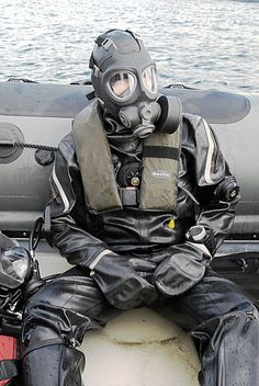 irelandbiker: diverpup: Exercise I want to join that dive team if they wear that gear Biker, Latex Men, Heavy Rubber, Diving, Army, Exercise, Sports, Kinky, Gears