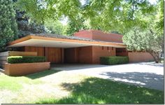 Lovely, long and low 1959 home in Glendale, Wisconsin. Love, love, love the geometry of houses like this... and the wide-open, flowing floorplans inside.