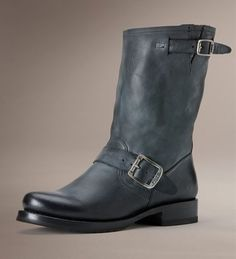 Looking for a short great boot? We love this colour!