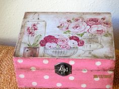 Discover thousands of images about Vintage decoupage box Decoupage Glass, Decoupage Vintage, Decoupage Paper, Decopatch Ideas, Diy Arts And Crafts, Wood Crafts, Painted Boxes, Hand Painted, Cigar Box Art