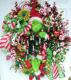 I love this Christmas wreath found on Etsy and made by slkbaxt64