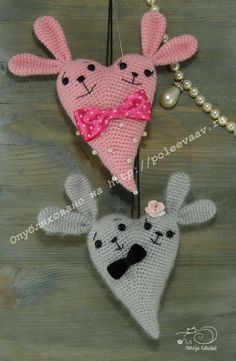 Bunny Heart Amigurumi - Free Crochet Pattern - English Version Online, Pay to Print Holiday Crochet, Easter Crochet, Crochet Bunny, Crochet Gifts, Cute Crochet, Crochet Toys, Crochet Teddy, Amigurumi Doll Pattern, Little Presents