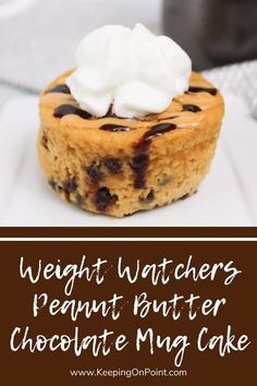 Weight Watchers Peanut Butter Chocolate Mug Cake - this is perfect for when you're craving something sweet! Plats Weight Watchers, Weight Watchers Meal Plans, Weight Watchers Desserts, Ww Desserts, Healthy Desserts, Dessert Recipes, Dinner Recipes, Mug Recipes