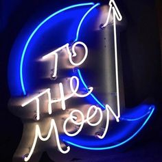 ⚡️⚡️TO THE MOON ⚡️⚡️ 100cm x 80cm This is the perfect neon sign for your bedroom or living room or even your office! All our neon signs come with a dimmer 🎮 This neon will be made to order so if you want any other color, sizes, feel free to ask 😊 And if needed, we can help you find the best