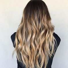 Dreaming about having long mermaid locks this weekend... Thanks for the inspo, Sharon Chang. If it\'s rapunzel like strands you\'re after, help foster growth + strength with our masks. ✔️ #ohhellohair #longhairdontcare #hairgoals #longhairgoals #maneenvy #mermaidmane