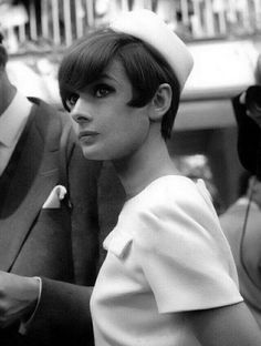 Audrey Hepburn or is it Michaela Audrey Hepburn Born, Audrey Hepburn Photos, Brigitte Bardot, Golden Age Of Hollywood, Old Hollywood, Grace Kelly, Greta, Divas, Marlene Dietrich