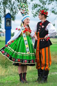 Polish Folk Costumes - Traditional wedding in folk costumes from Łowicz,...