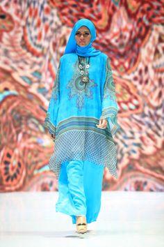 The Legend (Itang Yunasz dan Ida Royani) - Indonesia Islamic Fashion Fair 2013