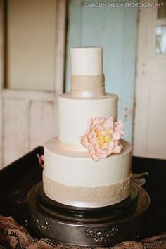 Pièce montée 2017  #Cakes {photo source: Barr Mansion & Artisan Ballroom // Caroline  Ben Photogra