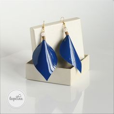 Approximately 10 cm large earring, from blue patent leather, glass beads and golden colored nickel free metal wear wire Unique Jewelry, Jewelry Design, Leather Leaf, Golden Color, Leaf Earrings, Statement Jewelry, Patent Leather, Glass Beads, Handmade Gifts