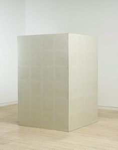 Sol LeWitt: Wall drawing #23: drawing series A on aluminium box. One series on each face, 1969. Painted aluminum box with pencil (drawn by: Adrian Piper). 182.5 x 122.0 x 122.0 cm. First installation: Dwan Gallery, New York, September 1969. Collection Art Gallery of New South Wales, Sydney.