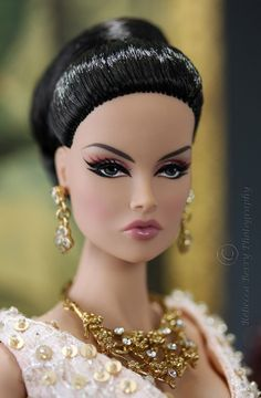 OOAK Dolls - too many GORGEOUS photos to pin. Go visit the Blog!!