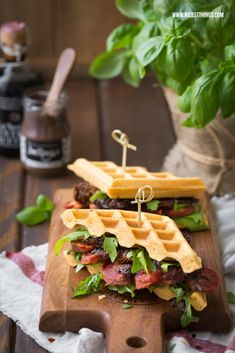 Hearty waffle sandwiches with sausage Savory Waffles, Pancakes And Waffles, Delicious Sandwiches, Wrap Sandwiches, A Food, Good Food, Best Sandwich, Menu, Wrap Recipes
