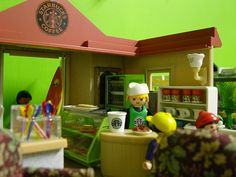 """""""Playmobil Starbucks"""" lol i want one! American Girl Doll Room, Playmobil Sets, All The Small Things, Lego Photo, Heart For Kids, Childhood Toys, Coffee Love, Cool Toys, Legos"""