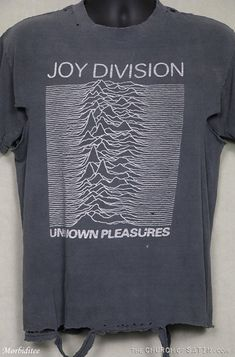 Ian Curtis, Moving Cross Country, Unknown Pleasures, Movie Tees, Joy Division, Unisex Fashion, Tee Shirts, Unisex Style