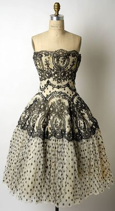 1950s dress - gorgeous.