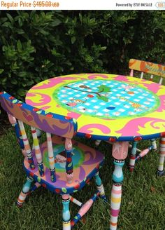 New Item Sale Little Girl Table and 2 Chairs Table by elliesshop